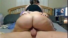 Teen is shaking her huge ass